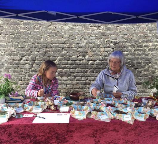 Marina Markt mit Sara und Brigitte Mittrach